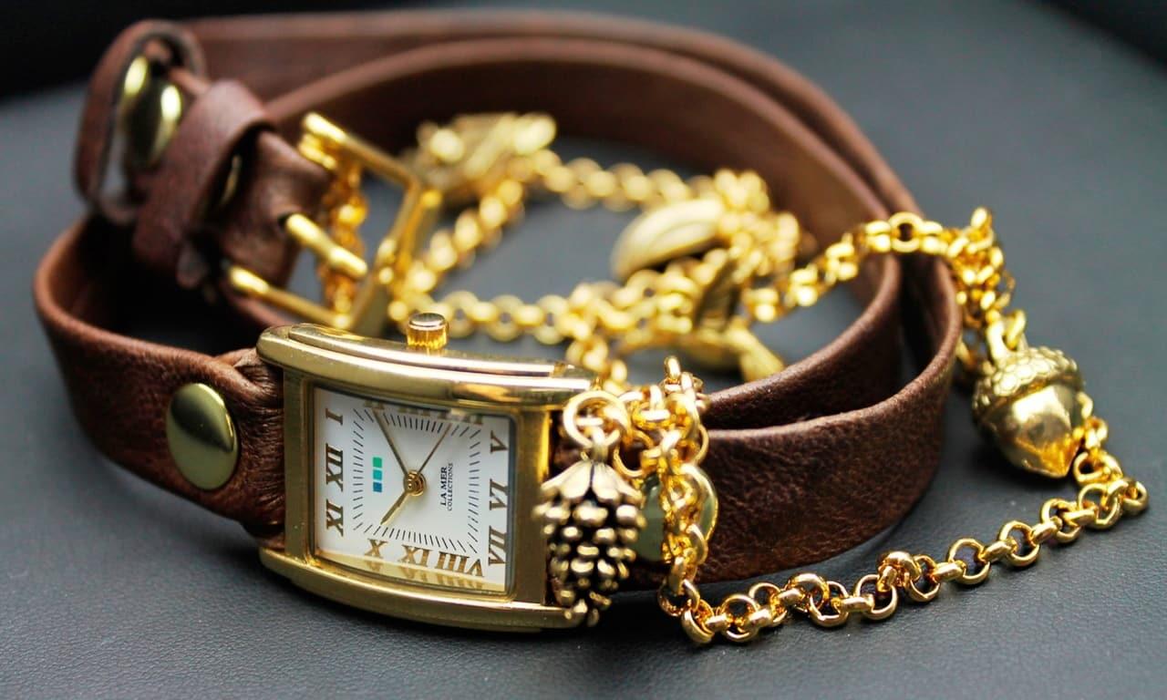 Как одевать часы с браслетом?